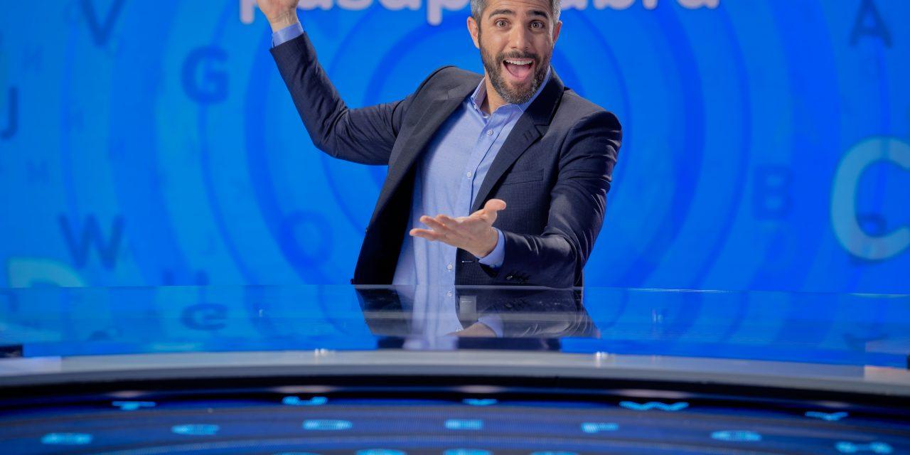 Roberto Leal posa como nuevo presentador de 'Pasapalabra'